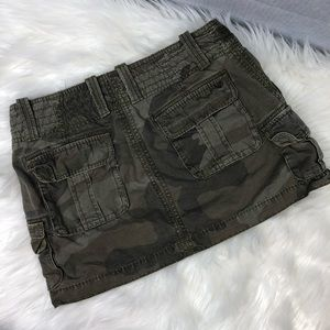 American Eagle Outfitters Skirts - American Eagle cargo mini skirt sz 0 green camo